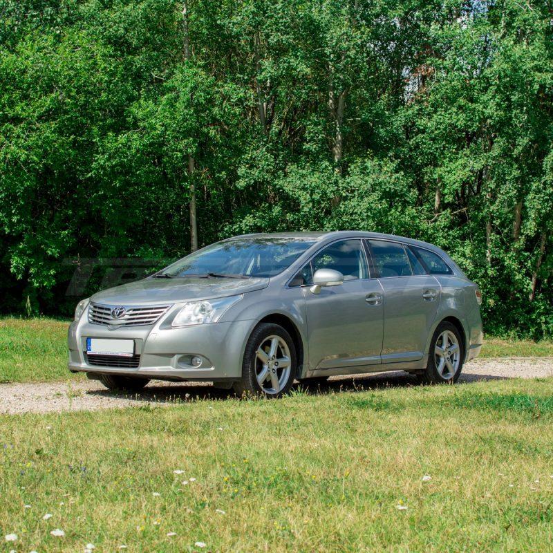 Toyota Avensis | Mikroautobusų ir automobilių nuoma 1